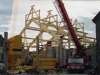 1989 – Bau der ersten Lagerhalle und Start der Vermarktung an Bäcker